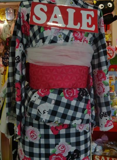 hello-kitty-kimono-harajuku